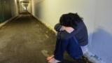 كسر أنف مصري وسحل آخر لمحاولتهما إنقاذ فتاة من 6 شباب